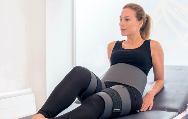 ReduStim SP makes lymphatic drainage, completes a massage